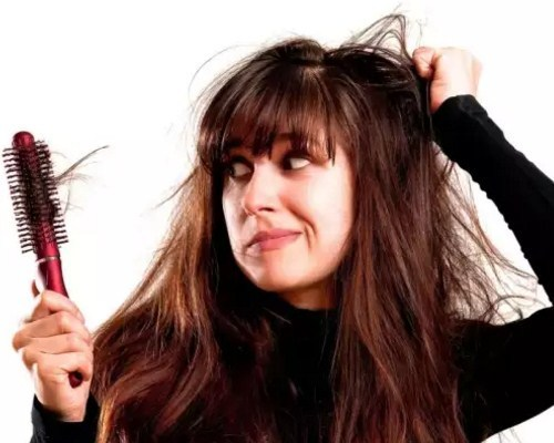 Из-за чего выпадают волосы? Методы лечения и основные причины.